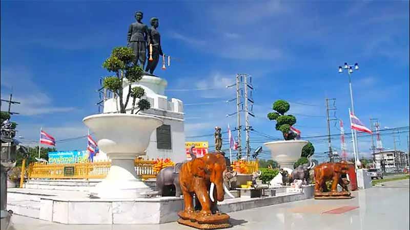 Праздник победы над бирманскими захватчиками на Пхукете в марте
